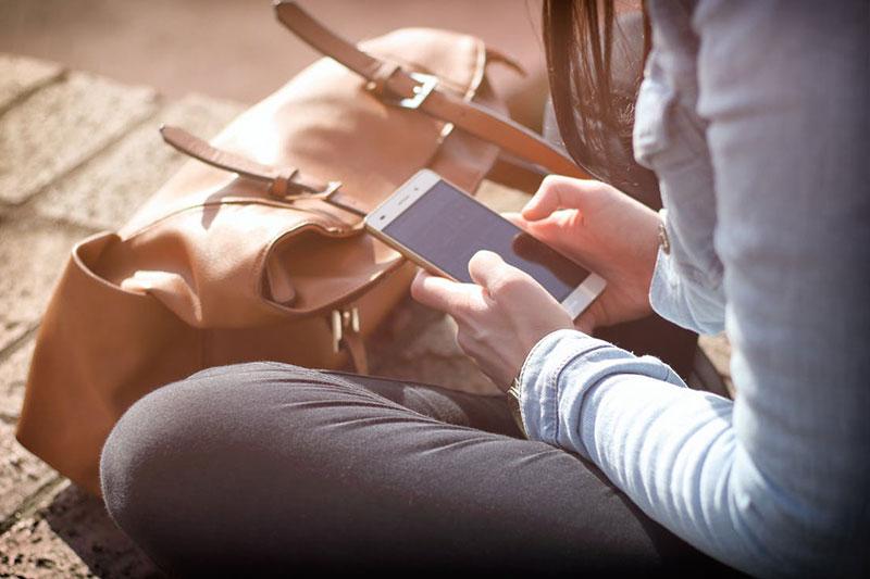 Mobiltelefonok és kiegészítőik